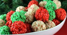 Christmas Rice Krispie Treat Bites - Yummy, bite-sized balls of crunchy, marshmallow-y delight. Easy to make and even better to eat.