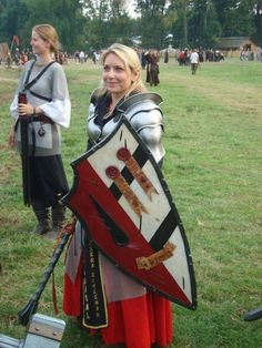 I don't enjoy the coffee mug she's holding in the background, but this is a great example of medieval. Female Armor, Female Knight, Lady Knight, Warrior Girl, Warrior Princess, Medieval Armor, Medieval Fantasy, Cosplay, Conquest Of Mythodea