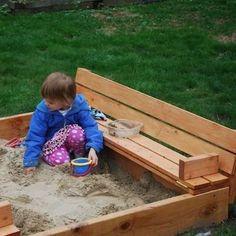 DIY Shipping Pallet Sandbox