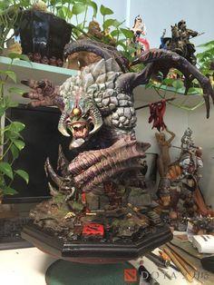 Take a Sneak Peak at Perfect World Global Limited Edition Roshan Figure - DOTA 2 - news,images,hub - 2P.com
