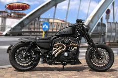 "XL883N ""BLACKSTER"" 