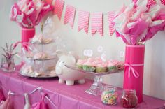 This Little Piggy Baby Shower - Zully baby shower - - neugeborene - Baby Tips Pig Baby Shower, Baby Shower Cakes Neutral, Baby Shower Princess, Baby Shower Favors, Baby Shower Parties, Baby Shower Themes, Shower Ideas, Baby Shower Centerpieces, Baby Shower Decorations