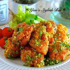 冷めても美味しい♪『ムネ肉揚げ鶏のネギゴマ甘酢ダレ』 Japanese Sushi, Cooking Recipes, Healthy Recipes, Meat Chickens, Cafe Food, Tandoori Chicken, Chicken Recipes, Food And Drink, Favorite Recipes