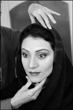 Abbas   IRÃO Teerão. Uma actriz está sendo feito para uma peça a ser realizado no Teatro da Cidade.