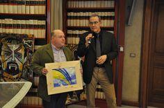 Roberto Mattioli premia l'attore ed assessore alle Politiche Culturali del comune di Tivoli Urbano Barberini