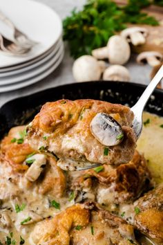 This Creamy Mushroom Chicken Thighs Skillet packs all the rich flavors of cream, mushroom, garlic and cheese resulting in a family favorite recipe that will come together within 40 minutes! via @familyfresh Creamy Mushroom Chicken, Creamy Mushrooms, Stuffed Mushrooms, Stuffed Peppers, Easy Family Dinners, Quick Easy Meals, Family Meals, Family Recipes, Yummy Chicken Recipes