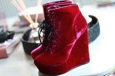 Style Scrapbook: NEW IN VELVET BOOTS