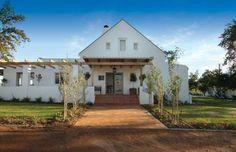 Klein Welmoed Gastehuis, Stellenbosch: http://www.lekkeslaap.co.za/akkommodasie/klein-welmoed-gastehuis