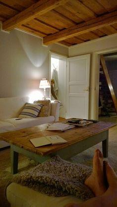 Lönntorp i Dalsvik -: Vardagsrummets fina trätak målades vitt  2013