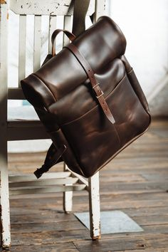 Roll Top Backpack – Men's style, accessories, mens fashion trends 2020 Leather Roll, Leather Men, Vintage Leather, Leather Backpack For Men, Leather Wallet, Leather Bags Handmade, Leather Craft, Top Backpacks, Leather Backpacks