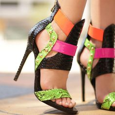 #2locos www.2locos.com Nelly Bernal Pacco Multicolor Open Toe Sandals