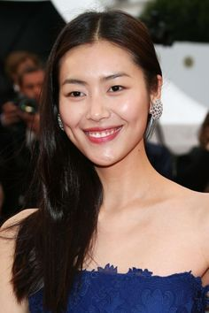 Liu Wen http://juliapetit.com.br/beleza/de-bonita-2/