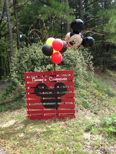 Birthday party pallet. Mickey Mouse Clubhouse theme. First birthday party.