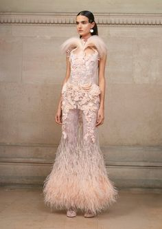 Givenchy  #VogueRussia #couture #springsummer2017 #Givenchy #VogueCollections