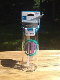 Personalized Camelbak Water Bottles by TheThoughtfulTulip on Etsy My monogram is kKl Cute Gifts, Great Gifts, Circle Monogram, Silhouette Projects, Christmas Wishes, Decorating Tips, Fun Crafts, Water Bottles, Picnic