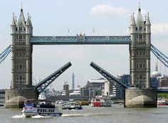 A visit to Tower Bridge.Read more detail #travel http://www.tripglob.com/famousbridge/bridge/tower-bridge