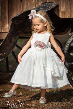 Φόρεμα βάπτισης Vinte Li 2907 μαζί με κορδέλα για τα μαλλιά, annassecret Girls Dresses, Flower Girl Dresses, Spring Summer, Wedding Dresses, Fashion, Dresses Of Girls, Bride Dresses, Moda, Bridal Gowns