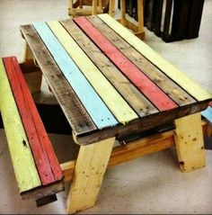 Pallet wood picnic table. OMG!  I love this. This will be my winter project and I will paint it purple and gold for my LSU Tigers. by domini...