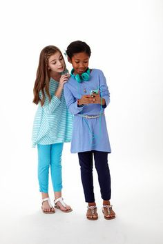 Royalty free photo! Tween girls checking out an MP3 player together. There's no cost for using the shots, but we do ask that you credit the photos to us with a link to www.fashionplaytes.com. Tween Girls, Mp3 Player, Royalty Free Photos, Sydney, Girl Fashion, Cool Outfits, Shots, Tunic, Photoshoot