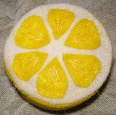 Felt lemon slices - would look gorgeous as a garland for the kitchen