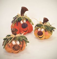 SMILE USA epattern by ilmondodellenuvole on Etsy Fabric Pumpkins, Fall Pumpkins, Halloween Pumpkins, Fall Halloween, Happy Halloween, Scary Halloween, Halloween Party Decor, Halloween Crafts, Holiday Crafts