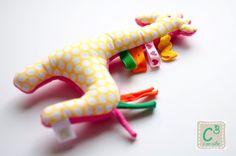 Roca Girafa, com som, texturas e cores para estimular os sentidos dos bebés