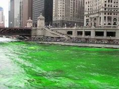 Dyeing the Chicago River Green - Saint Patrick's Day 2011 - about 8 min.