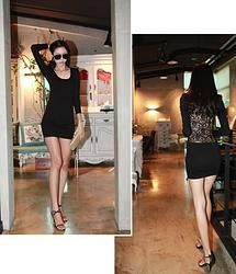 Hermoso vestido con detalles de encaje en la espalda. Sexy! ;)  Lo puedes adquirir en: http://emcccarlocka.wix.com/fashioneurope#!product/prd1/1210875951/181660706-vestido-negro