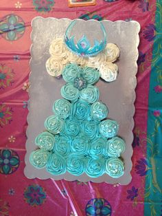 Elsa dress cupcakes