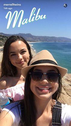 Merrell Twins | Veronica & Vanessa Merrell | YouTubers Merrell Twins Instagram, Merrill Twins, Veronica And Vanessa, Veronica Merrell, Vanessa Merrell, Celebs, Celebrities, Dimples, Filipino