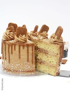 The recipe for the Speculoos Layer Cake: a real treat! Berry Smoothie Recipe, Easy Smoothie Recipes, Cake Recipes, Snack Recipes, Dessert Recipes, Bolo Confetti, Homemade Frappuccino, Coconut Milk Smoothie, Rhubarb Cake