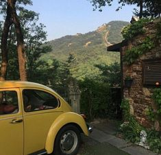Shared by sensitive. Find images and videos about summer, aesthetic and nature on We Heart It - the app to get lost in what you love. European Summer, Italian Summer, Summer Europe, Beautiful World, Beautiful Places, Northern Italy, Mellow Yellow, Yellow Car, Looks Cool