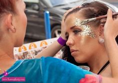 Body painters kiss my fairy mtv uk rave makeup, festival eye makeup, festiv Festival Eye Makeup, Festival Makeup Glitter, Glitter Party, Festival Hair, Festival Looks, Rave Festival, Makeup Inspo, Makeup Inspiration, Beauty Makeup