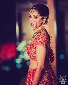Real brides reveal why their MakeUp Artists were their pick for the Best bridal makeup artists in Delhi and what you should look for too! Best Bridal Makeup, Indian Bridal Makeup, Bridal Beauty, Wedding Makeup, Big Fat Indian Wedding, Indian Wedding Jewelry, Indian Weddings, Bridal Jewellery, Indian Jewelry