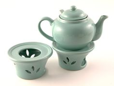 Metropolitan Tea Seafoam Green Ceramic Teapot Warmer BigKitchen http://www.amazon.com/dp/B000PMB9QC/ref=cm_sw_r_pi_dp_l60Lvb0YWVW10