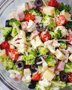 Cauliflower Broccoli Ham Salad {Low Carb / Keto} Cauliflower Broccoli Salad - - Super crunchy and nourishing! If you're looking for new low carb or keto recipes, you'll love this Broccoli Cauliflower Salad that's tossed in a tangy savory dressing. Broccoli Cauliflower Salad, Keto Cauliflower, Low Carb Broccoli Salad, Salad With Broccoli, Brocolli Salad, Low Carb Chicken Salad, Chicken Pasta, Diet Recipes, Cooking Recipes