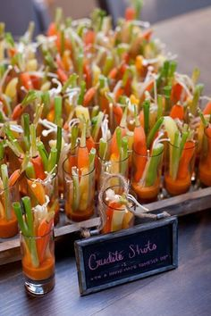 10 presentation ideas for vegetable sticks as an aperitif - Recipes: Gluten-free - Appetizers For Party, Appetizer Recipes, Appetizer Ideas, Fingers Food, Vegetable Sticks, Cooking Recipes, Healthy Recipes, Appetisers, Food Presentation