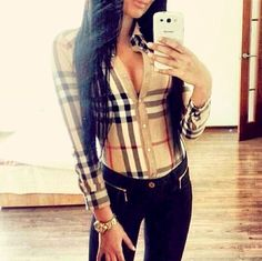 Burberry Shirt and Black Skinnies. I am sure I could pull this look off even though I usually don't wear black skinnies. Camisa Burberry, Burberry Shirt, Burberry Plaid, Sexy Outfits, Fall Outfits, Casual Outfits, Cute Outfits, Fashion Outfits, Womens Fashion