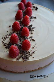 Kirsin keittiössä: Mansikka-kinuskihyydykekakku (glut.) No Bake Desserts, Sweet Recipes, Panna Cotta, Cheesecake, Food And Drink, Gluten Free, Tasty, Sweets, Baking