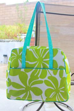 My Weekender! by Darci - Stitches Amy Butler Weekender Bag pattern. Lots of tips. Beautifully done!