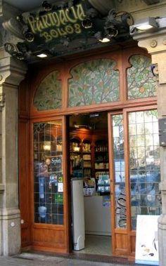 El modernismo en Barcelona, alcanza su máximo esplendor a partir de la Exposición Universal de 1888. En la bella ciudad catalana pueden cont...