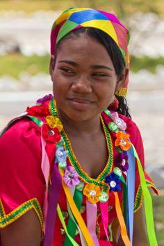 Reisado  Personagem do Reisado, uma dança folclórica Brasileira, em momento de descanso durante o Encontro Cultural de Laranjeiras, Sergipe, Brasil.