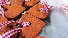 Vánoční ozdoby a dekorace, které zvládnete vyrobit doma – Novinky.cz Gingerbread Cookies, Desserts, Gingerbread Cupcakes, Tailgate Desserts, Deserts, Postres, Dessert, Plated Desserts