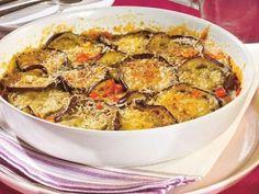 Legume gratinate - O reteta de vara, rapid de facut la cuptor Romanian Food, Ratatouille, Vegetable Recipes, Curry, Sweet Home, Food And Drink, Pork, Cooking Recipes, Vegetarian