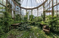 Photographer captured photographs of abandoned buildings while his travelling. Romain is one of those who captures the images of abandoned buildings. Abandoned Buildings, Abandoned Mansions, Abandoned Places, Abandoned Belgium, Abandoned Castles, Haunted Places, City Buildings, Greenhouse Effect, Photo D Art