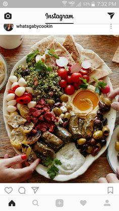 Vegetarian Mezze Platter from www.whatsgabycook… – it's the ULTIMATE appetizer… Vegetarian mezze plate of www.whatsgabycook … – It's the ultimate appetizer plate (What's Gaby Cooking) Vegetarian Recipes, Cooking Recipes, Healthy Recipes, Vegetarian Appetizers, Vegetarian Buffet, Greek Appetizers, Easy Cooking, East Appetizers, Cooking Tips