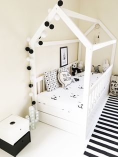 Bring the elegance and luxury to your kids' room with Circu Magical furniture! Check our white inspirations: CIRCU.