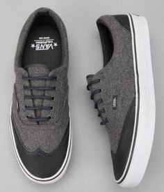 Vans - I'm surprised I like these but I do. Shoes especially vans are amazing! Vans Sneakers, Vans Shoes, Black Sneakers, Vans California, Zapatillas Casual, Business Mode, Fashion Shoes, Mens Fashion, Style Fashion