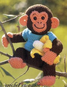 Charlie The Chimp Pattern Page is in Spanish but pattern is in English.