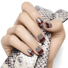 greige nails with a thick stripe #falltrends